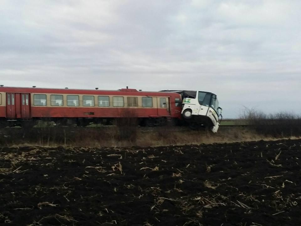 Accidentt tren autocar1