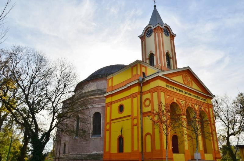 Biserica Haulik Periam (1) (800x530)