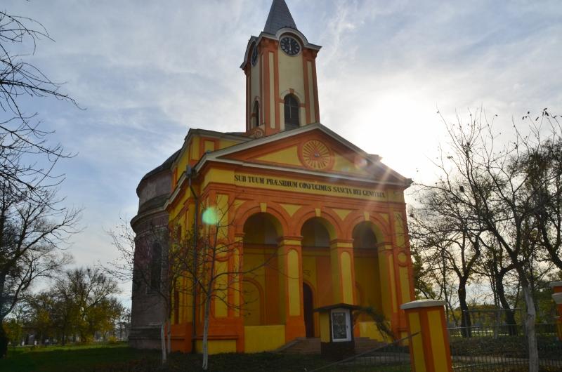 Biserica Haulik Periam (3) (800x530)