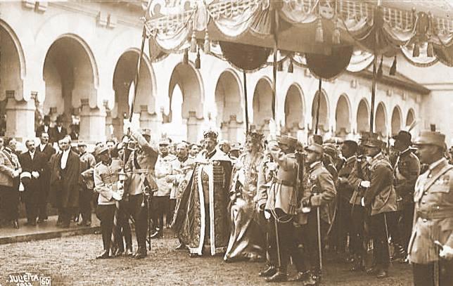 Incoronarea de la Alba Iulia defilare
