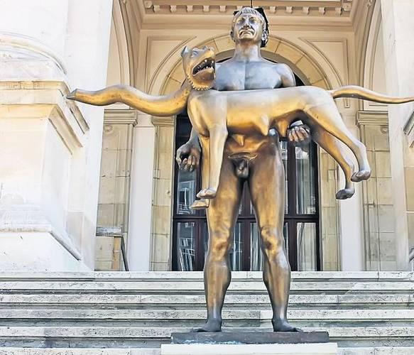 Statuie Traian