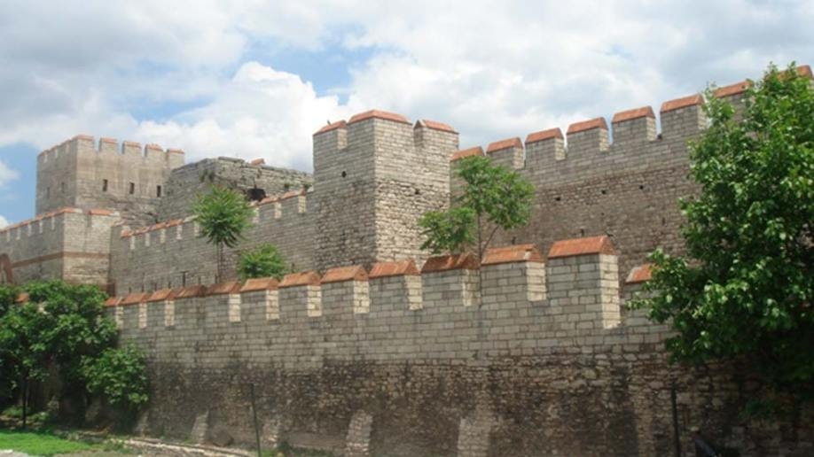 The-restored-walls